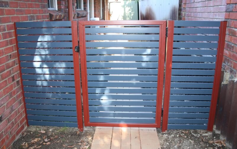 Bluestone And Heritage Red Powdercoated Aluminium Slat Gate In Attadale.