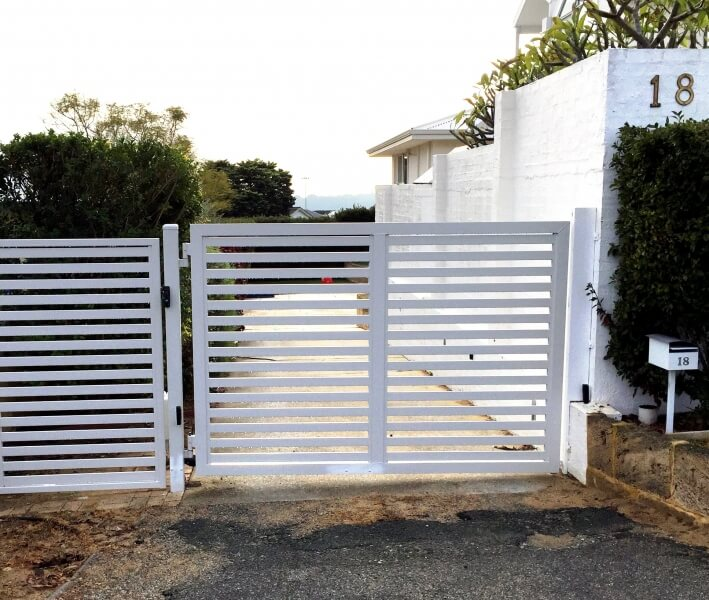 Custom Aluminium Slat Driveway Gate With Centsys Automation