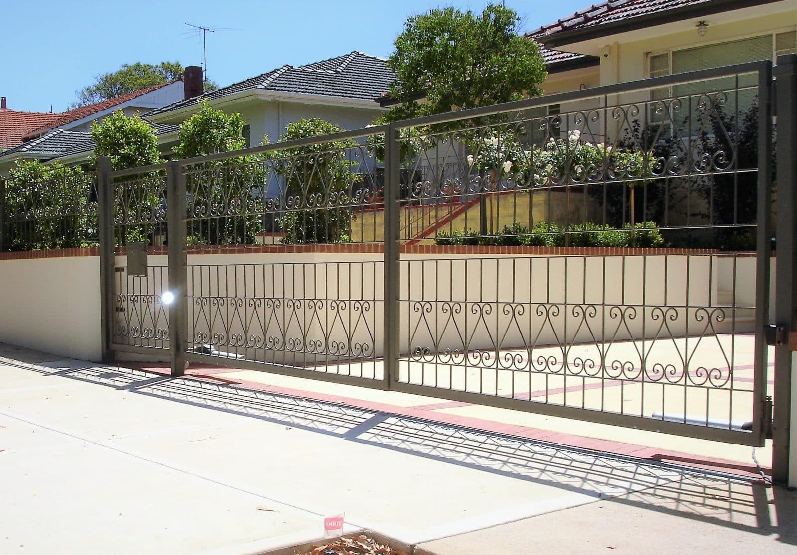 Wrought iron automated gates Mount Lawley Dsc00455
