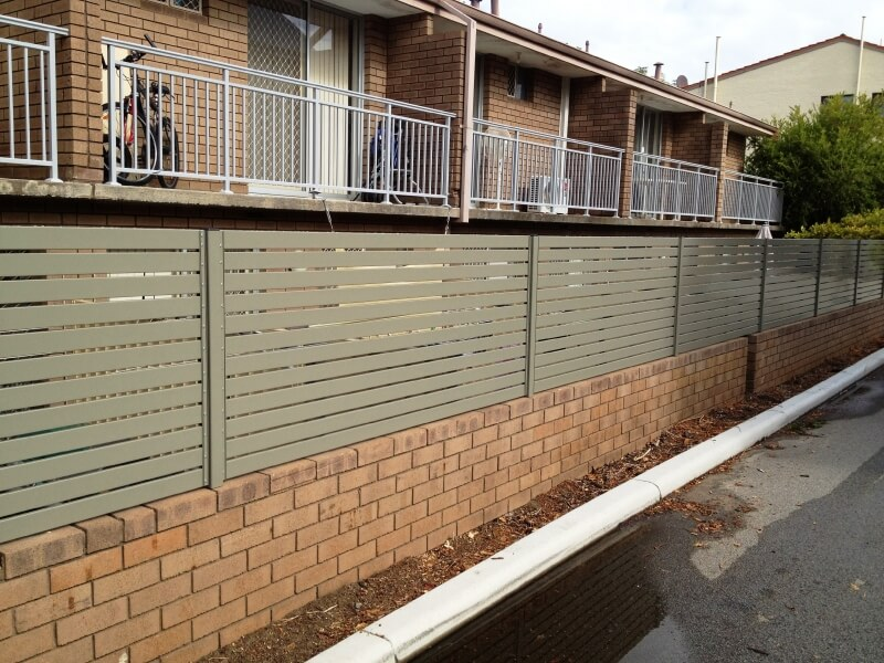 Powdercoated Aluminium Slat Fencing