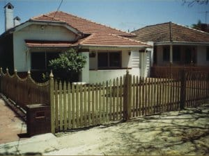 Raw Windsor Pine Timber Scolloped Fence Kensington