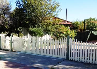 Windsor Timber Sliding Gate St James