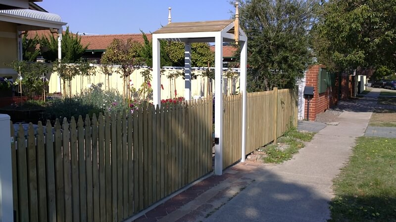 Scolloped Windsor Pine Picket Fence And Sliding Gate Project In Maylands