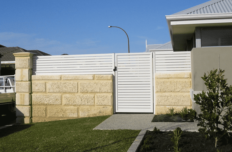 65x16mm Aluminium Slat Fencing And Gate With Locking D Latch Southern River