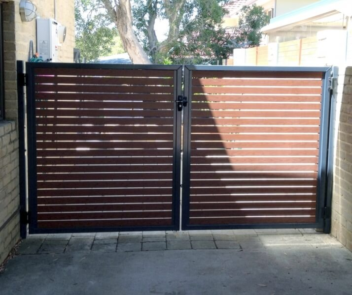Aluminium Slat Driveway Gates With Welded Framework, In Western Red Cedar And Bluestone Frame Como