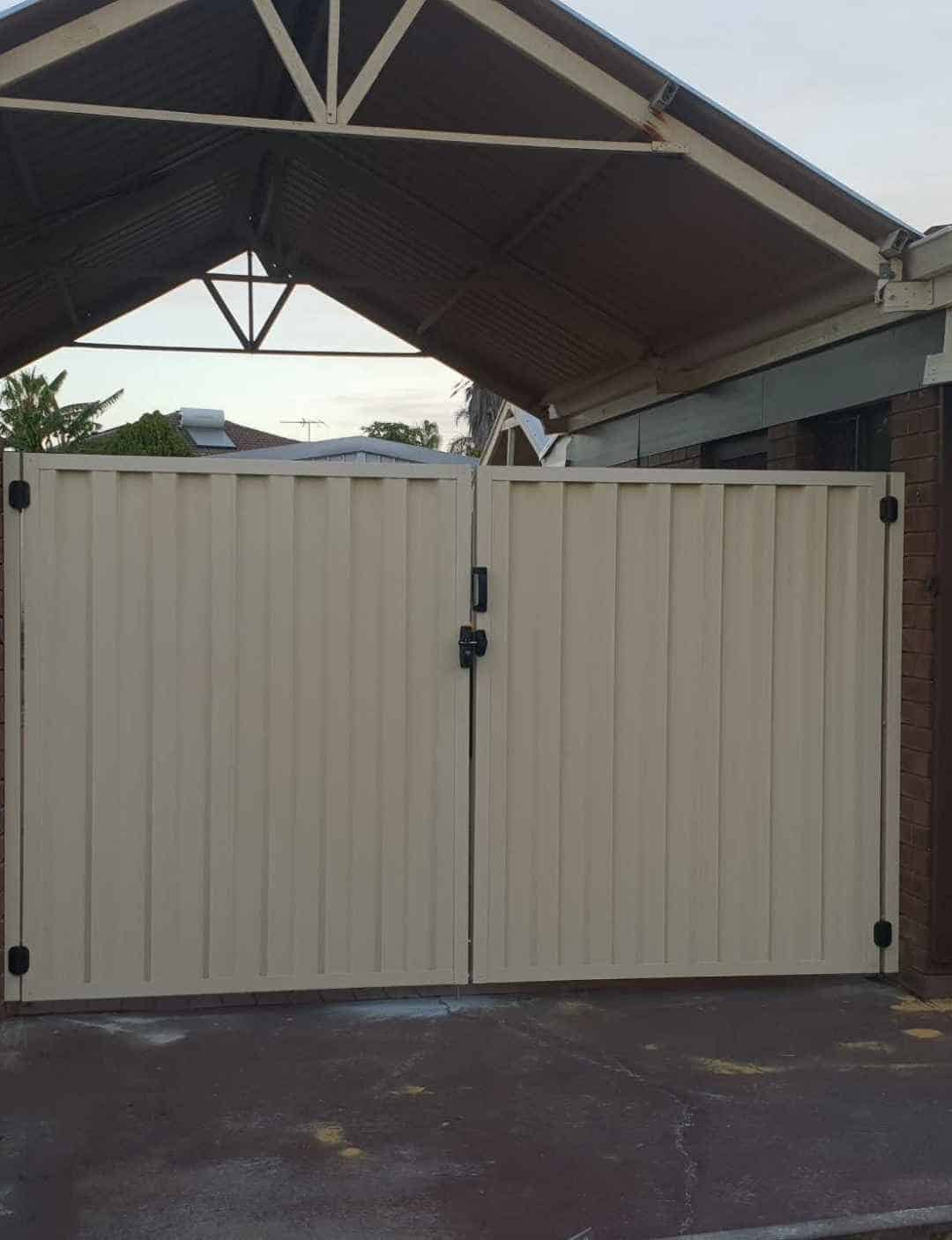 Surfmist Colorbond Driveway Gates Perth