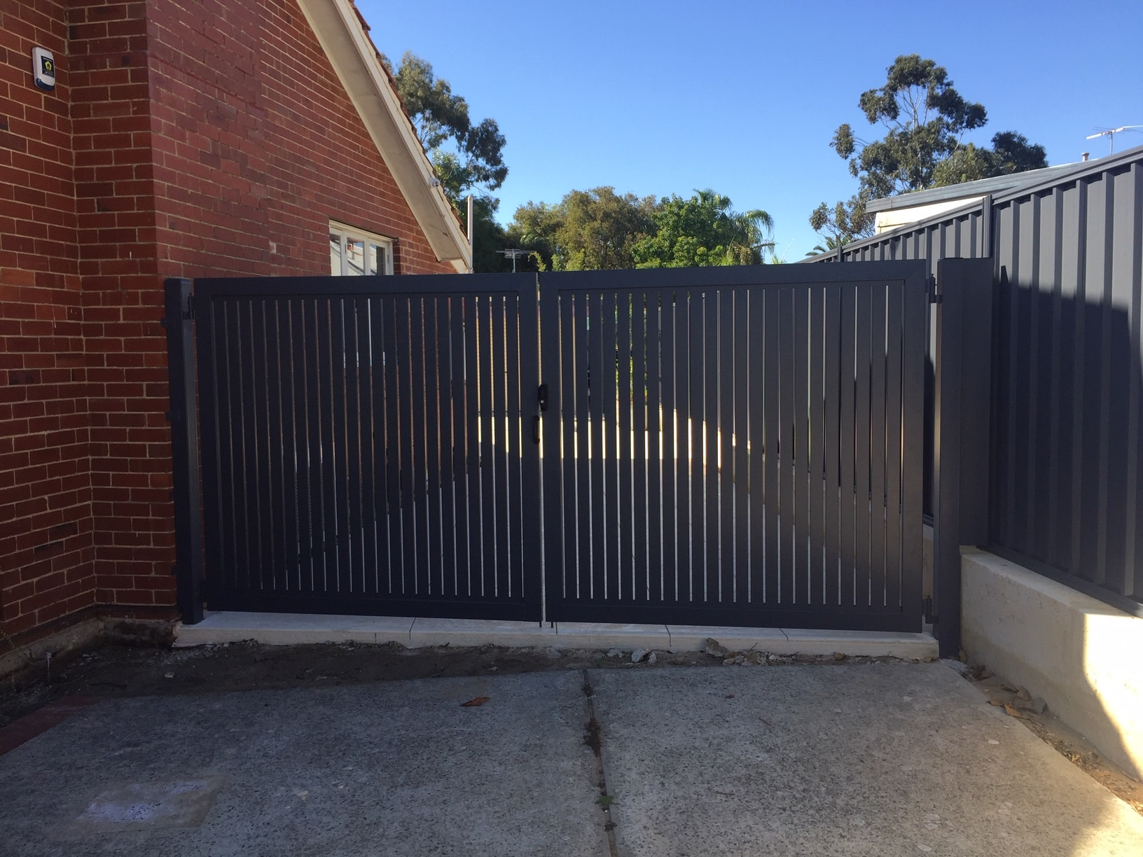 Powdercoated Aluminium Slat Gates Hamilton Hill