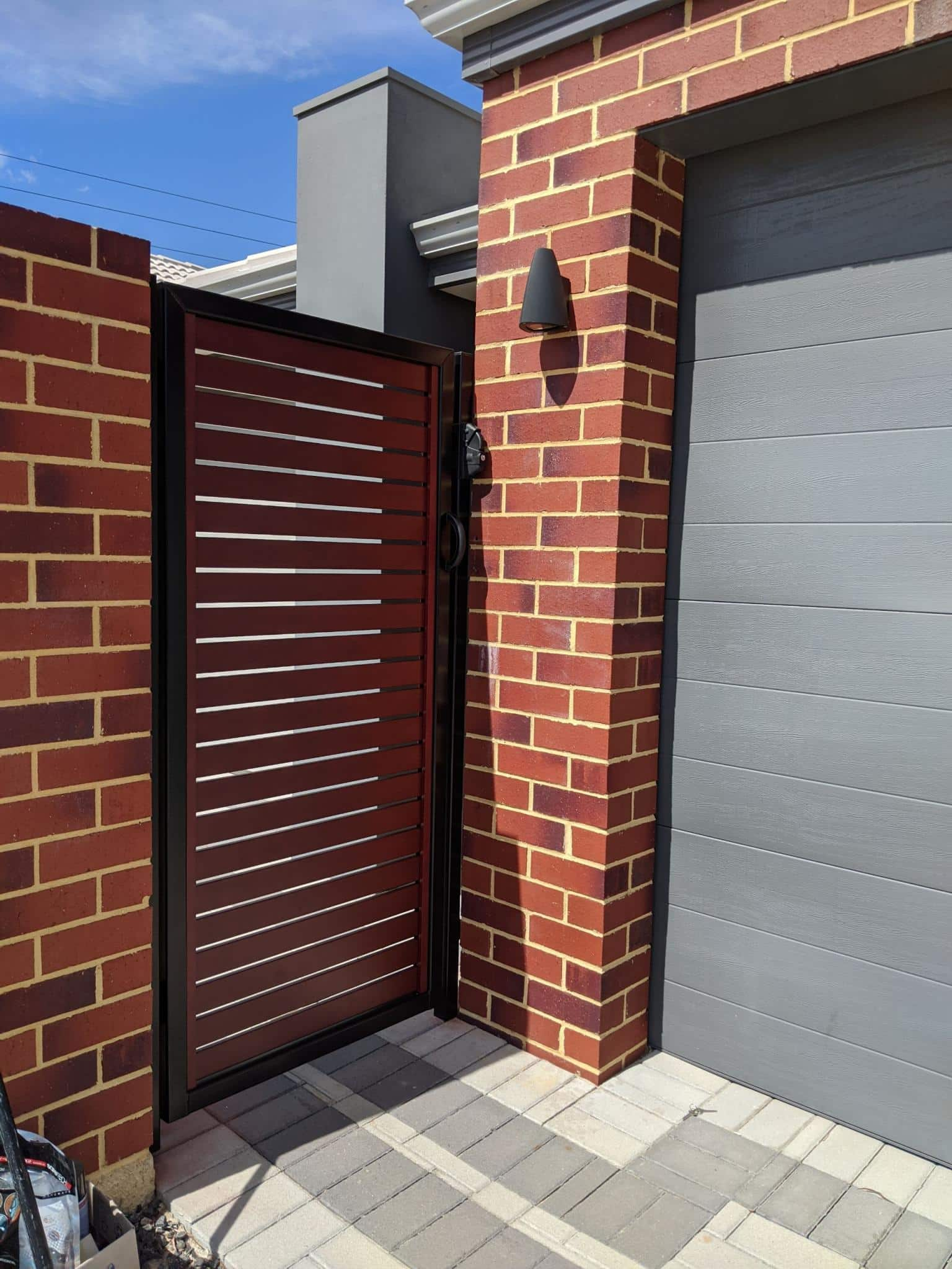 Western red cedar aluminium slat gate Lynwood