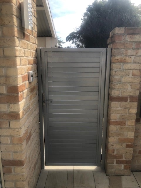 Aluminium slat gate with mortice lock and electric strike Applecross Front View