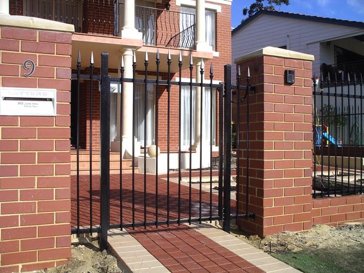 Sentinnel Steel Spear Gate With Intercom Shelley